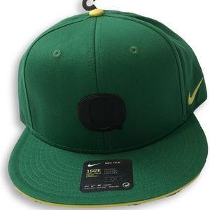 NWT Oregon Ducks Nike True Energy Logo Snapback Ha